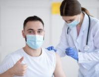 Comienza en Madrid la vacunación contra el COVID-19 a los estudiantes de programas de formación internacional