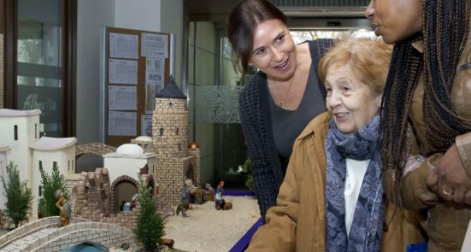 Más de 700 mayores de centros de la región han participado en el Concurso de Belenes