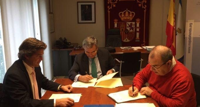 Ayuntamiento y Rayo Majadahonda se comprometen a la promoción y desarrollo de la Escuela Municipal de Fútbol