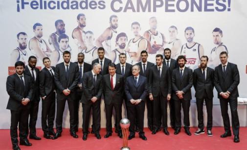 Comunidad y Ayuntamiento celebran la victoria del Real Madrid de baloncesto en la Copa del Rey