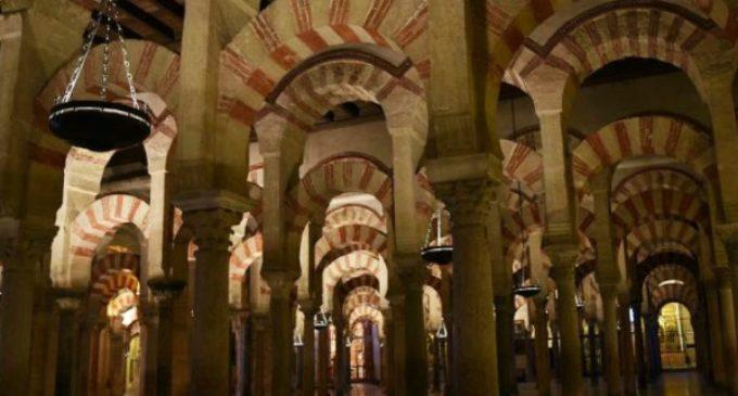 Catedráticos de Historia firman un manifiesto contra el intento de expropiación de la catedral de Córdoba