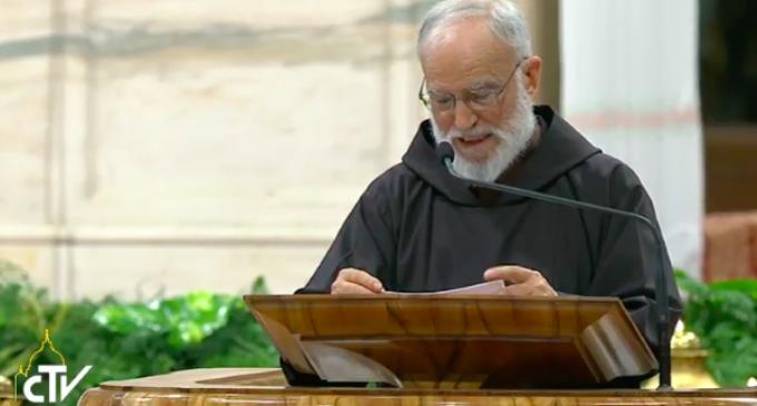 Padre Cantalamessa: Dios no ha proyectado la creación como si fuera un reloj o un ordenador
