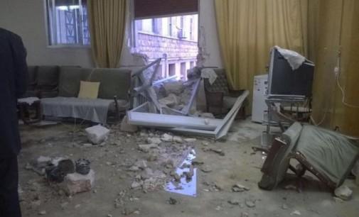 Alepo: Escuela de Tierra Santa atacada por un misil  La bomba se cobró la vida de una mujer anciana e hirió a dos personas