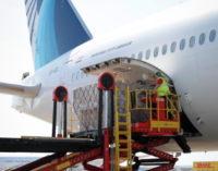 Aterriza el cuarto avión en 48 horas de la Comunidad de Madrid cargado con material sanitario para afrontar el COVID-19