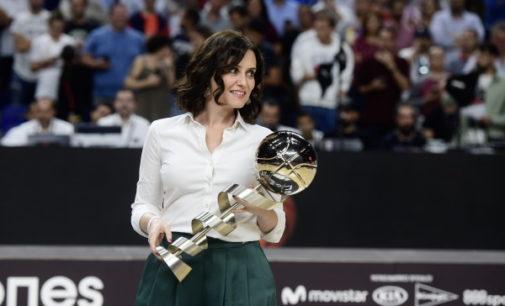 Díaz Ayuso asiste a la final de la Supercopa Endesa 2019 donde el Real Madrid se ha proclamado campeón