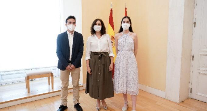 Díaz Ayuso celebra los resultados de los estudiantes madrileños en la EBAU pese a la situación generada por el COVID-19