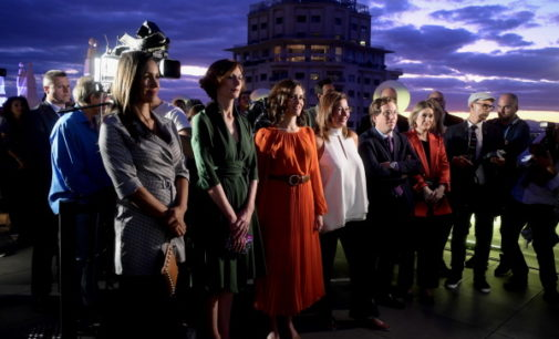 Díaz Ayuso destaca el buen momento del turismo madrileño durante la inauguración del Hotel RIU Plaza España