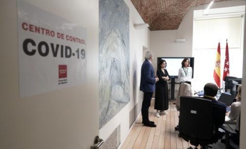Díaz Ayuso visita el nuevo Centro de Control permanente del coronavirus de la Comunidad de Madrid