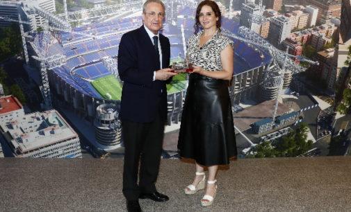 Díaz Ayuso visita las obras del nuevo estadio Santiago Bernabéu