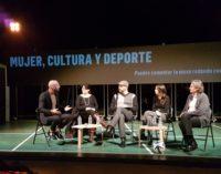 De los Santos en la mesa redonda 'Mujeres, cultura y deporte'