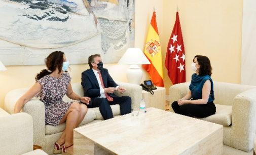 Díaz Ayuso aborda con Vodafone la oportunidad de profundizar en la digitalización de los servicios públicos