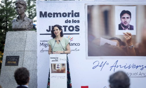 """Díaz Ayuso apela a la unidad contra la """"maldad de ETA"""" frente al totalitarismo que no tiene """"respeto por la realidad"""""""