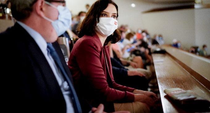 Díaz Ayuso asiste a la gala benéfica #VocesResponden para apoyar a las personas más vulnerables afectadas por la pandemia