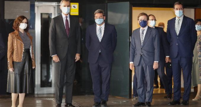 Díaz Ayuso asiste a los Premios Autónomos del Año de ATA en un acto presidido por el Rey de España