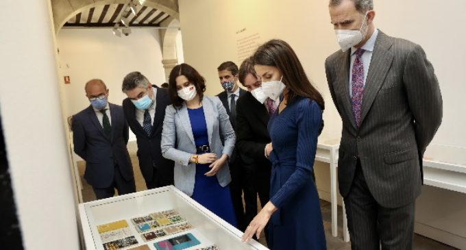 Díaz Ayuso asiste al homenaje del Instituto Cervantes por el Día Internacional del Libro presidido por Sus Majestades los Reyes