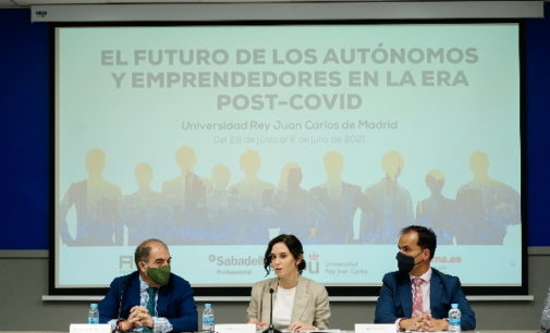 """Díaz Ayuso defiende a los autónomos """"como generadores de empleo"""" frente a quienes alardean de hacer política social a costa de asfixiar al empresario"""""""