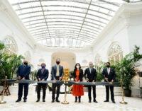 """Díaz Ayuso en la reapertura del hotel Mandarin Oriental Ritz: """"Madrid es destino mundial de primer nivel y una región abierta a la inversión"""""""