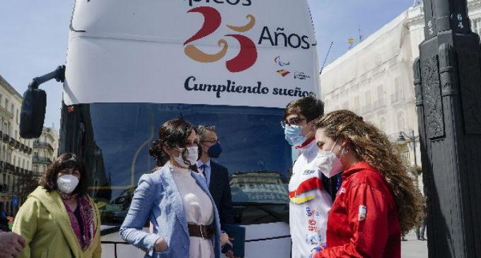 Díaz Ayuso felicita a los deportistas y miembros del Comité Paralímpico español en su 25 aniversario