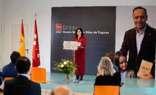 """Díaz Ayuso inaugura la biblioteca que homenajea al abogado Severo Bueno, una persona """"honrada"""" y ejemplo """"de hacer las cosas correctamente y conforme a derecho"""""""