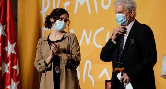 Díaz Ayuso quiere contar con Vargas Llosa en el plan que última para hacer de Madrid la capital del español en el mundo