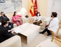 Díaz Ayuso reclama al Gobierno el IVA reducido a los servicios de peluquería y estética