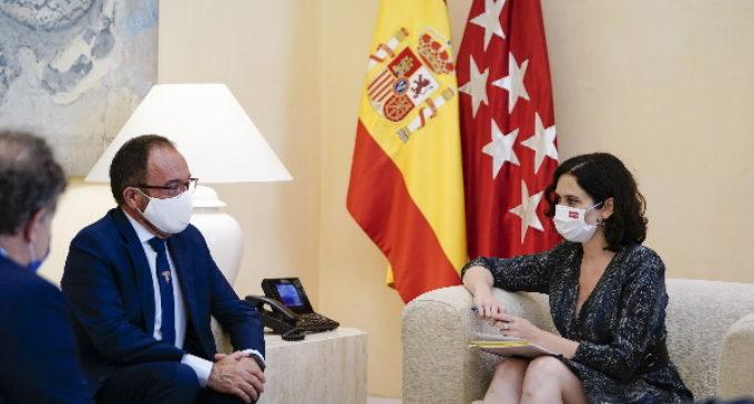Díaz Ayuso respalda la candidatura de Madrid a Patrimonio Mundial del Paseo del Prado y El Retiro ante el embajador de España ante la UNESCO