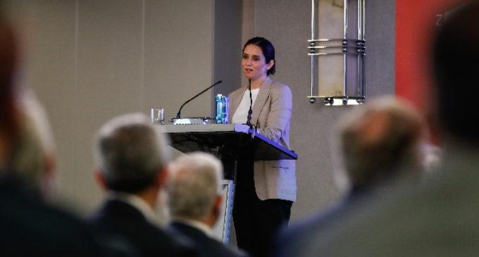 """Díaz Ayuso advierte de que la Comunidad de Madrid va a seguir con su estrategia de gestión del virus frente a las últimas medidas """"autoritarias y desproporcionadas"""" del Gobierno central"""