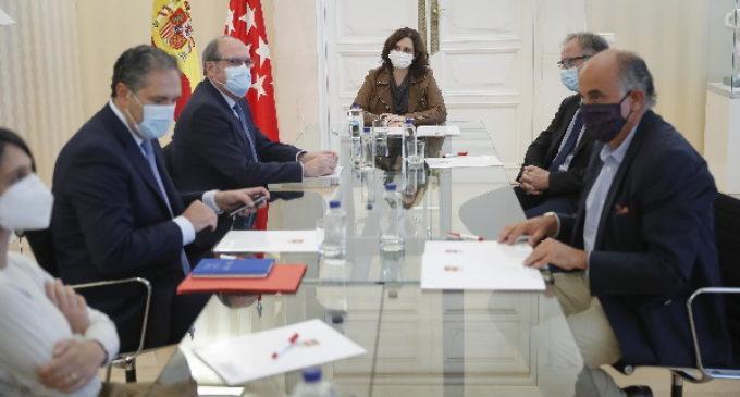 Díaz Ayuso traslada a Gabilondo la petición de colaboración con el Gobierno y la necesidad del fin del Estado de Alarma