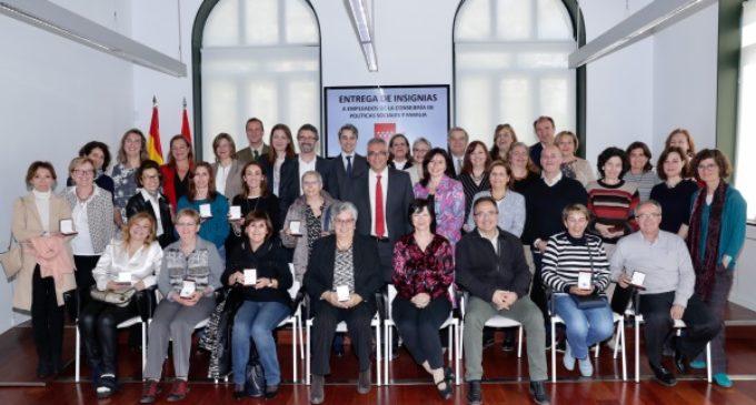 La Consejería de Políticas Sociales y Familia reconoce la labor de sus empleados públicos