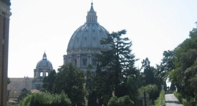 EE.UU. reconoce normativas financieras vaticanas de verificación de clientes