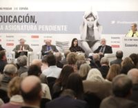 Cifuentes apuesta por el diálogo y el consenso para lograr una mejora educativa sólida y eficaz