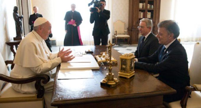 """El presidente de Colombia al Papa en la audiencia: """"Necesitamos su ayuda"""""""