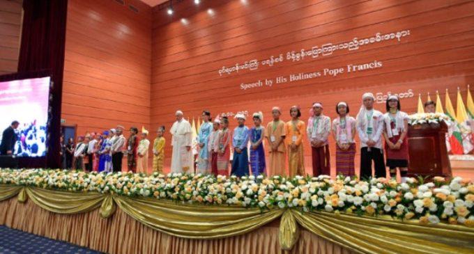 """Myanmar: El Papa llama al respeto por """"cada grupo étnico y su identidad"""""""