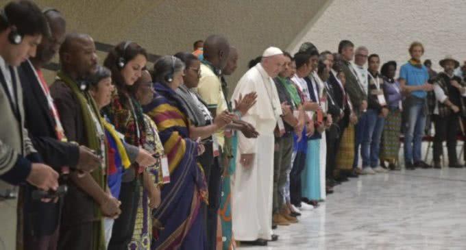 El papa Francisco recibió a los participantes del Tercer encuentro mundial de los movimientos populares