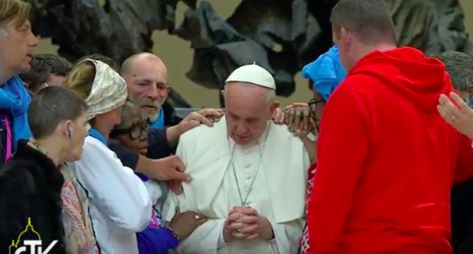 El Papa pide perdón a los pobres por los cristianos que miran hacia otro lado