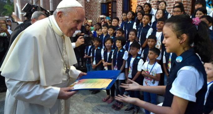 """El Papa llama a unirse al Pacto Educativo Global para """"humanizar el mundo"""""""