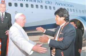 El Papa llega a Bolivia 2. jpg