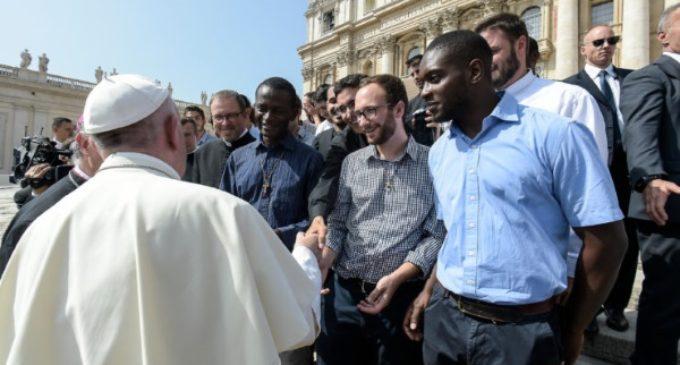 """Refugiados nigerianos: el bautismo es """"la certeza de una nueva vida"""""""