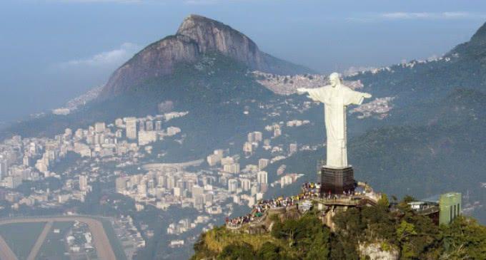 El cardenal arzobispo de Río, Orani João Tempesta conversó con el papa Francisco sobre la delicada situación de la nación