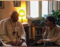 El Papa visita a Edith Bruck, superviviente de Auschwitz