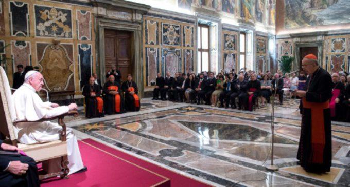 """El Papa pide al dicasterio de laicos a recibir la reforma como signo """"de valoración y estima"""""""