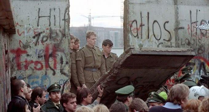 »Sirven puentes, no muros» dice Francisco en el XXV aniversario de la caída del Muro de Berlín