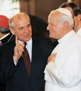 El Papa y el muro. Juan Pablo II y Gorbachov 4