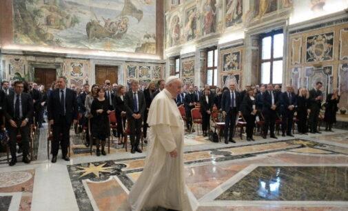 El Papa: el aborto es un asesinato, la objeción de conciencia denuncia la injusticia