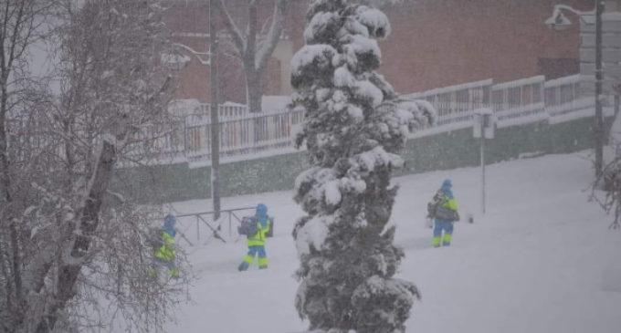 El SUMMA 112 atiende 8.900 llamadas desde ayer y moviliza 534 recursos asistenciales de emergencia y urgencia pese al temporal de nieve