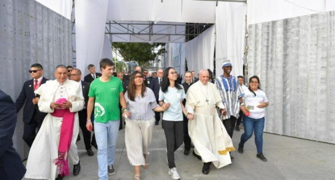 El Vaticano aplaza un año el Encuentro Mundial de las Familias y la Jornada Mundial de la Juventud