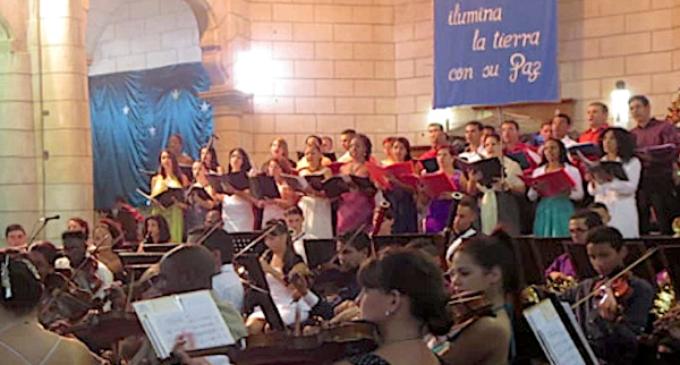 Cuba: la sinfónica de Holguín realiza un concierto de Navidad