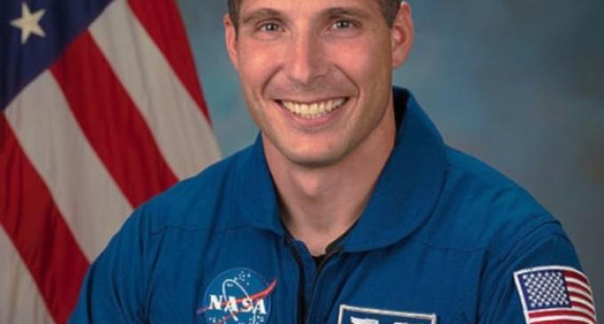 Michael Hopkins, el astronauta que comulgaba en la Estación Espacial Internacional