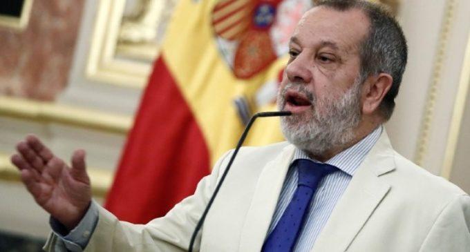 Francisco Fernández Marugán, defensor del Pueblo: «Muchas veces son las ONG las que nos dan traslado de sus quejas»