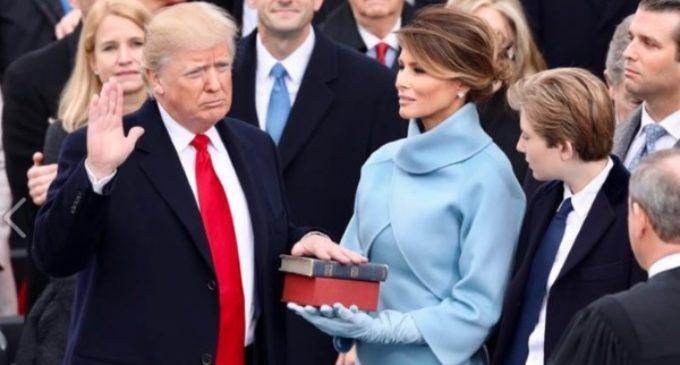 El presidente Trump corta los fondos para financiar el aborto en el exterior